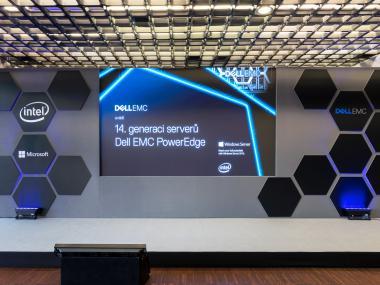 Eventdeco_Dell_stage design_dekorace