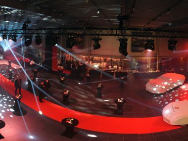 Event Deco | Kompletní návrh a realizace scény Porsche Panamera
