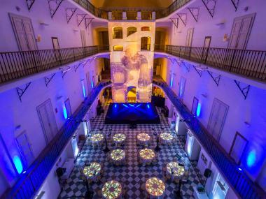 Eventdeco-dekorace na akce-scénografie-látkové dekorace-světelné dekorace-event-muzeum hudby