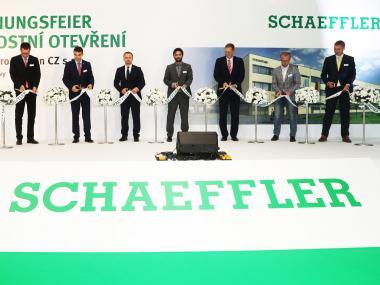 Eventdeco_otevření haly Schaeffler_stage desing_dekorace