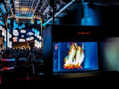 Event Deco | Vytvoření scény na konference OMG Future